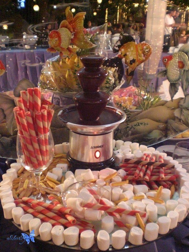Fuentes de chocolate - Mesa de dulces para bodas ...
