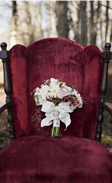 El color marsala en el ramo de novia