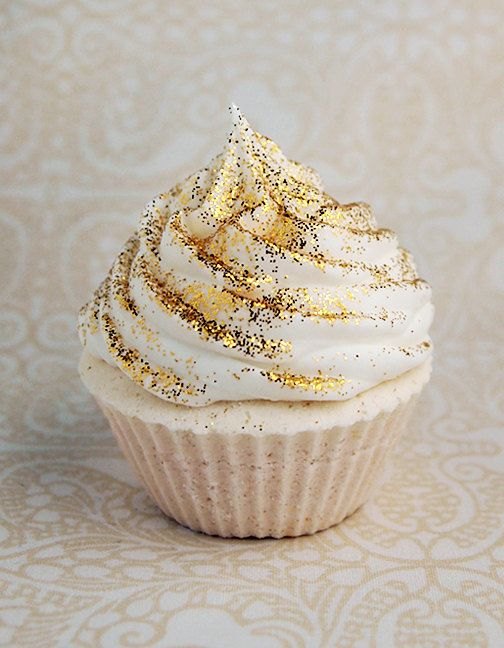 Cupcake en blanco y dorado. ¡Soñada!