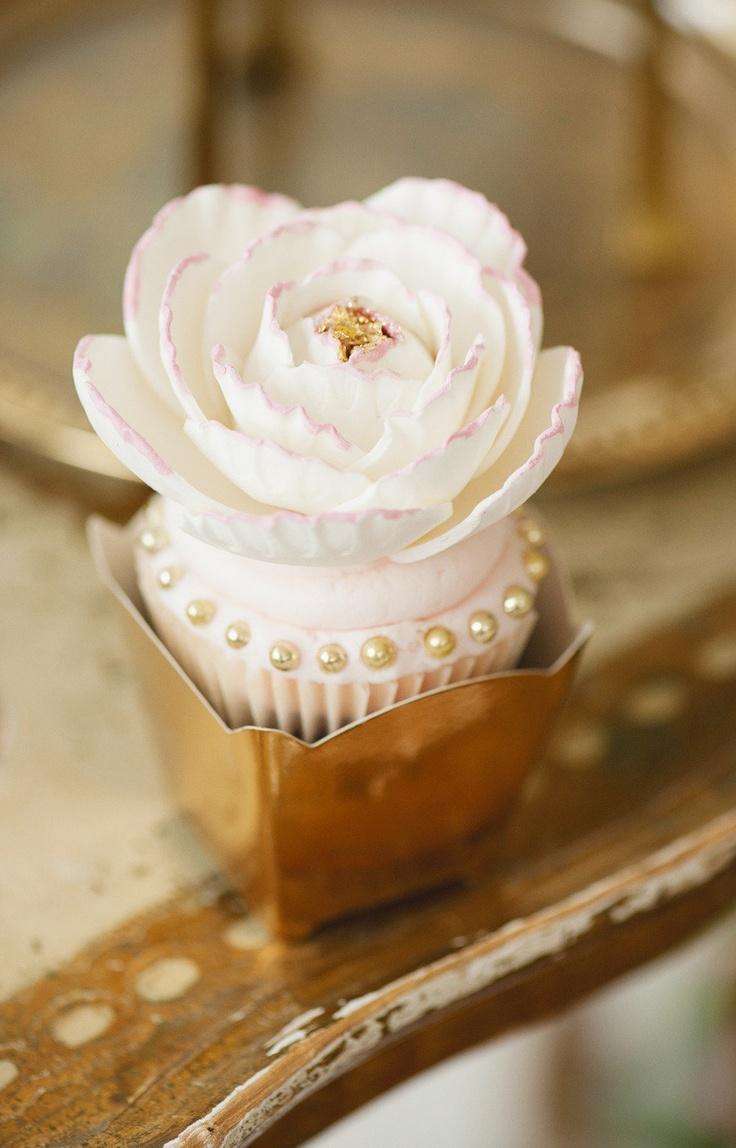Cupcakes como recuerdos para boda. Elaborado y delicado, hazlo si dispones de mucho tiempo