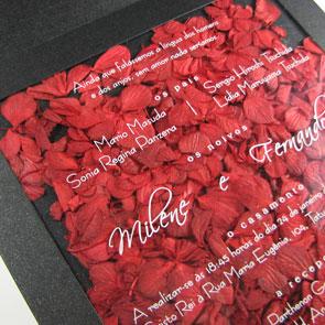 La otra cara de la moneda, invitacion de boda con petalos de flores naturales