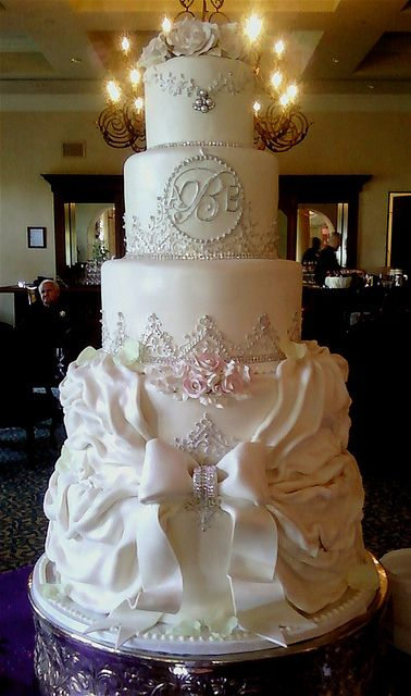 Pastel de bodas de 5 pisos