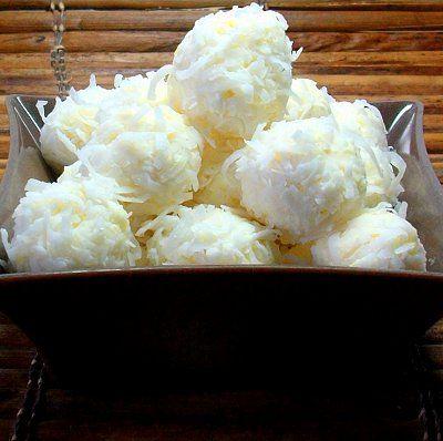¿Qué te parece un hermoso y grato postre de nieve de queso, piña y coco para tu boda?