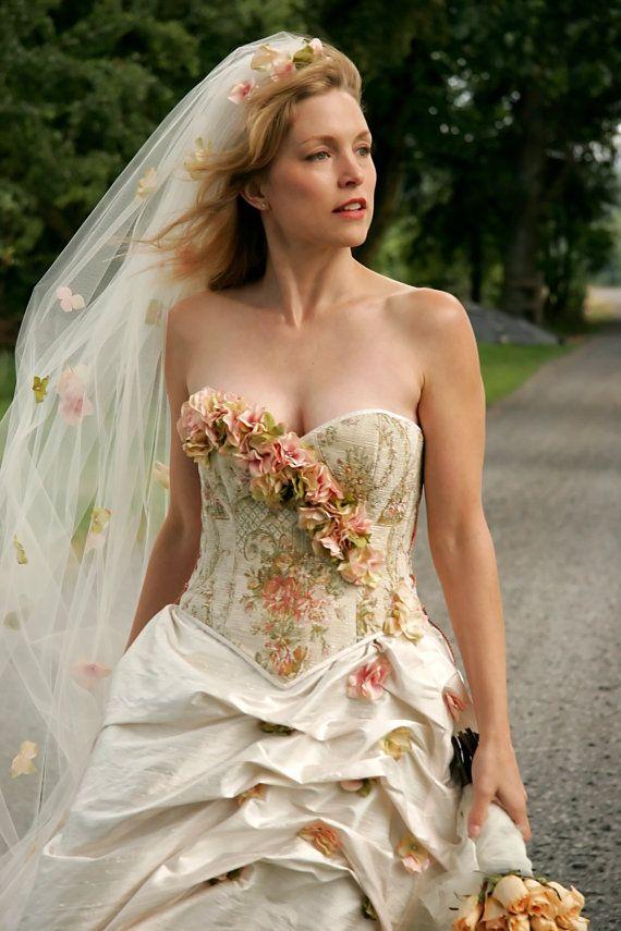 Colorido vestido de novia ideal para una boda al aire libre de BellaVittoria