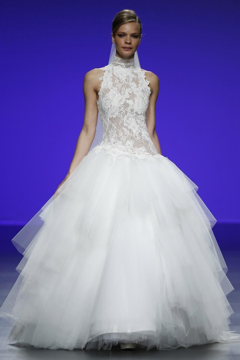 Detalle de tul y encaje en este magnifico vestido de novia de Cymbeline Forever 2016