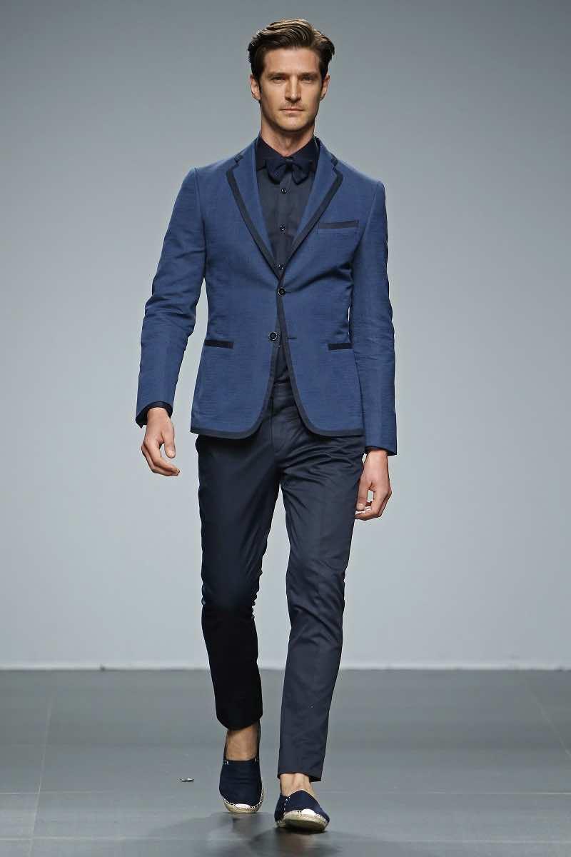 Fuentecapala y un traje de novio en azul electrico - Tendencias de boda 2016