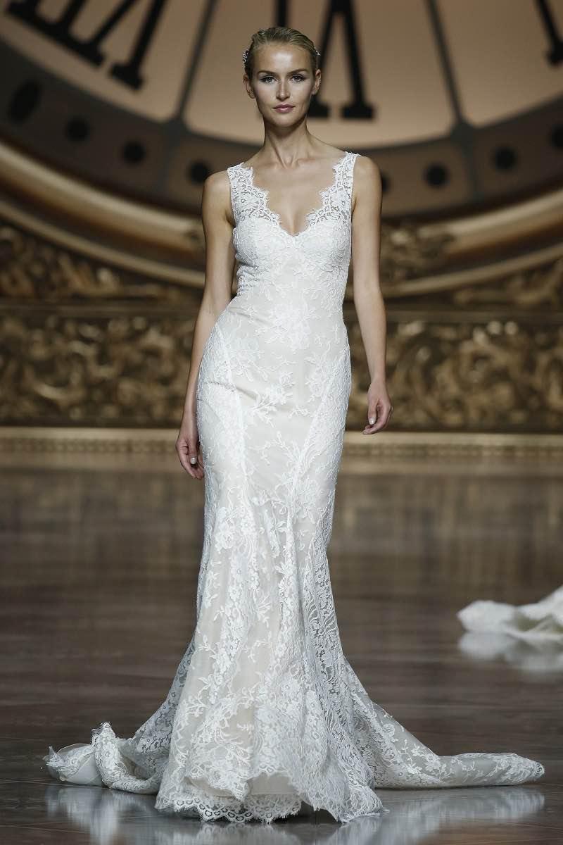 Hermosísimo detalle de encaje en este vestido para novias de la colección de Pronovias 2016