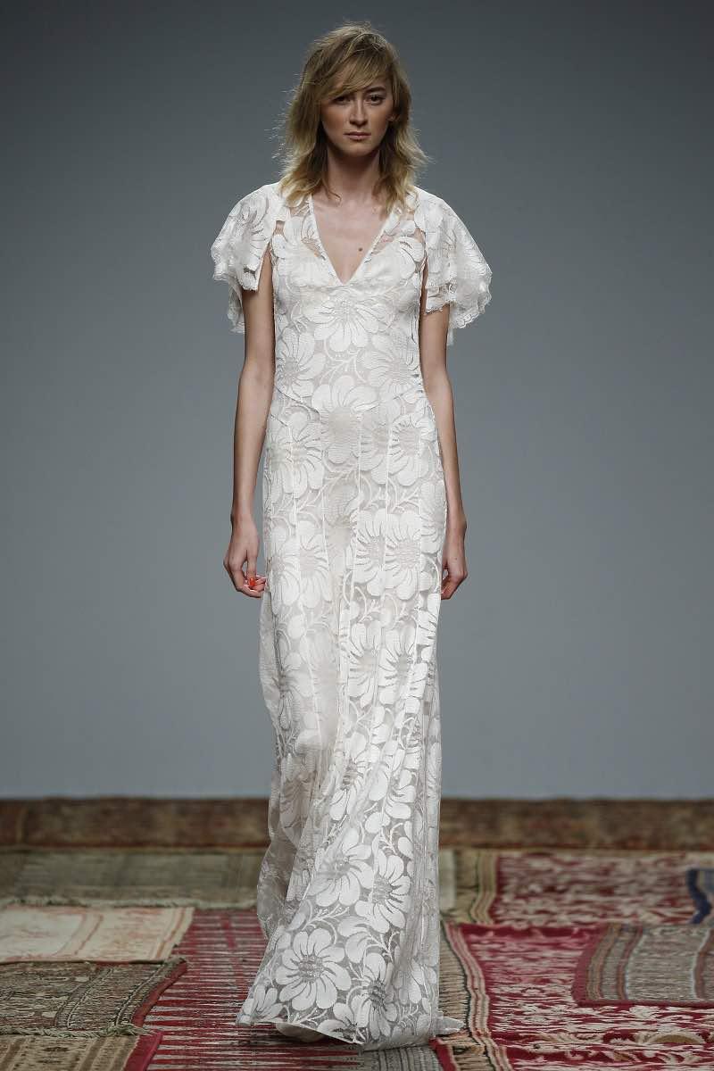 Hermoso modelo de vestido de novia con mangas de Houghton 2016