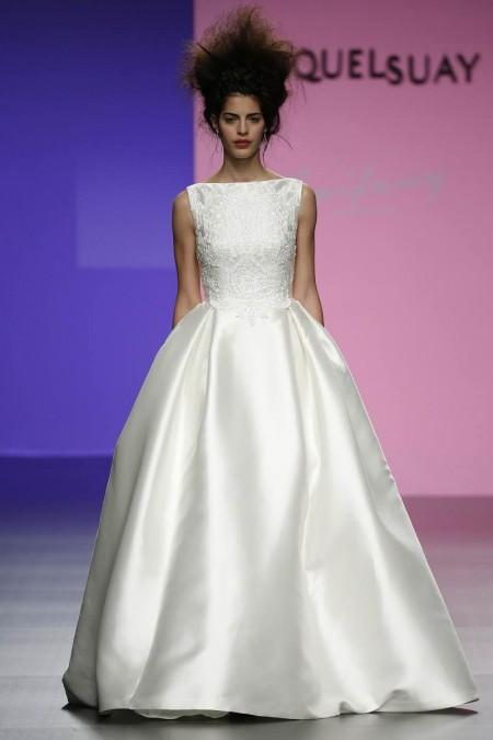 Hermoso vestido para novia romántica de Miquel Suay – Amberlace 2016
