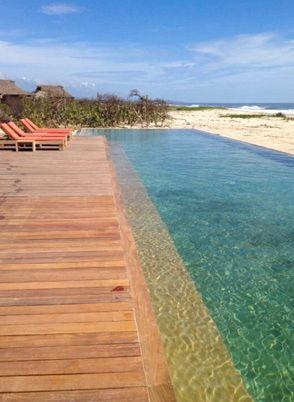 Algunos hoteles en Puerto Escondido resaltan por su paradisíaco paisaje. Hotel Escondido in Puerto Escondido, Mexico