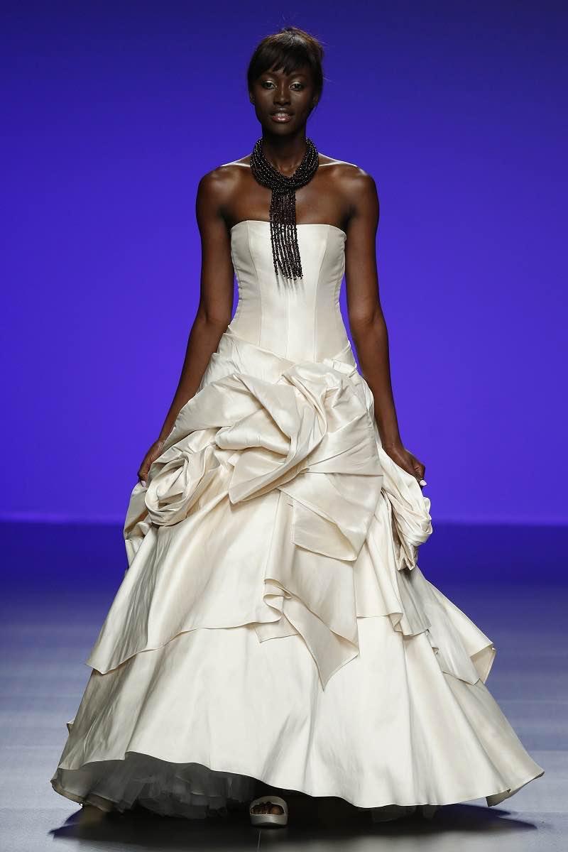 Increible vestido de novia de Cymbeline Forever