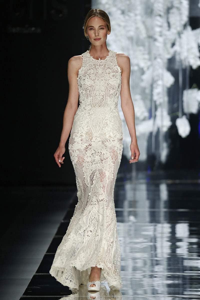 Transparencias y encaje en este vestido de novia de YolanCris