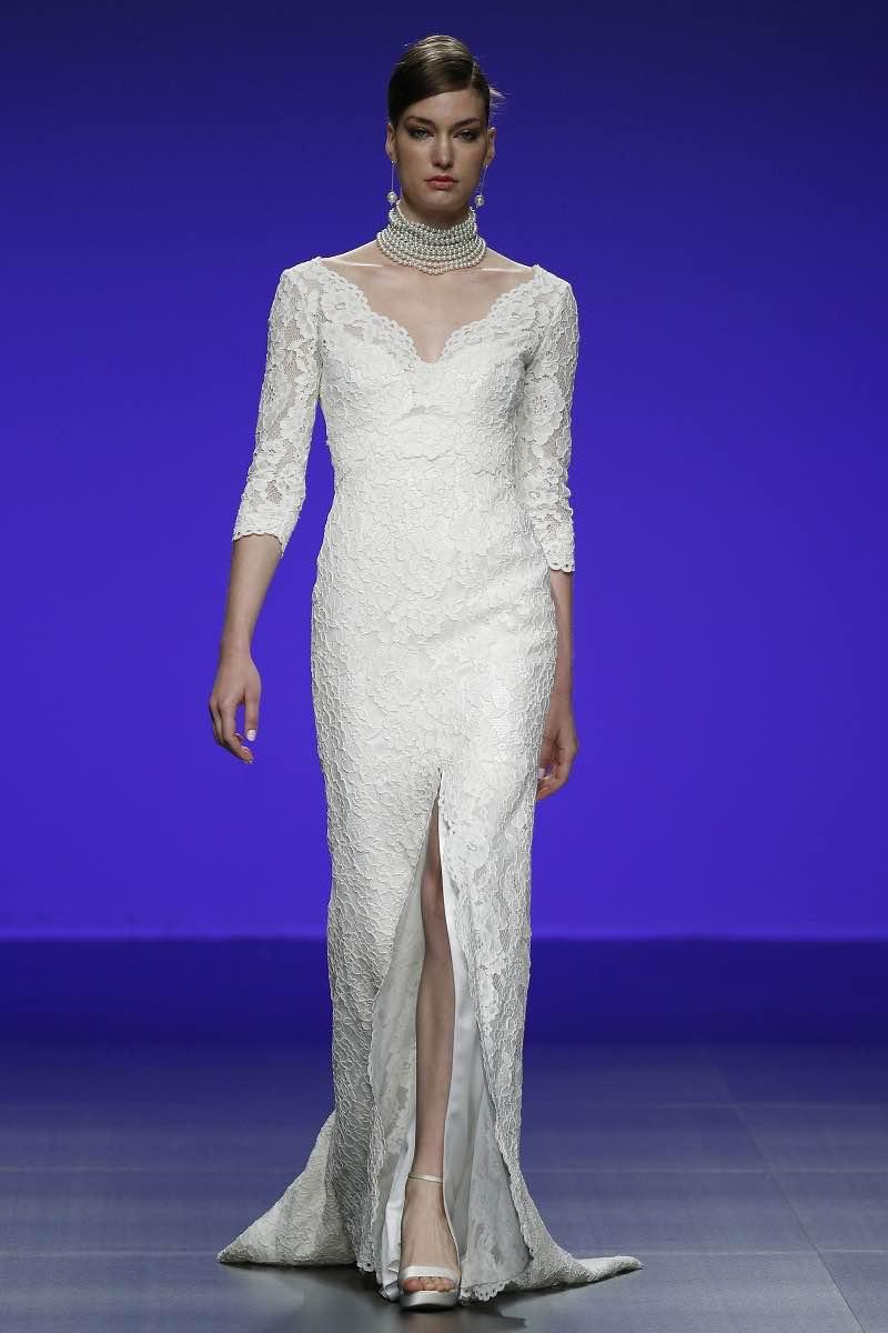 Vestido de novia con mangas tres cuartos y mucho encaje de Cymbeline Forever 2016