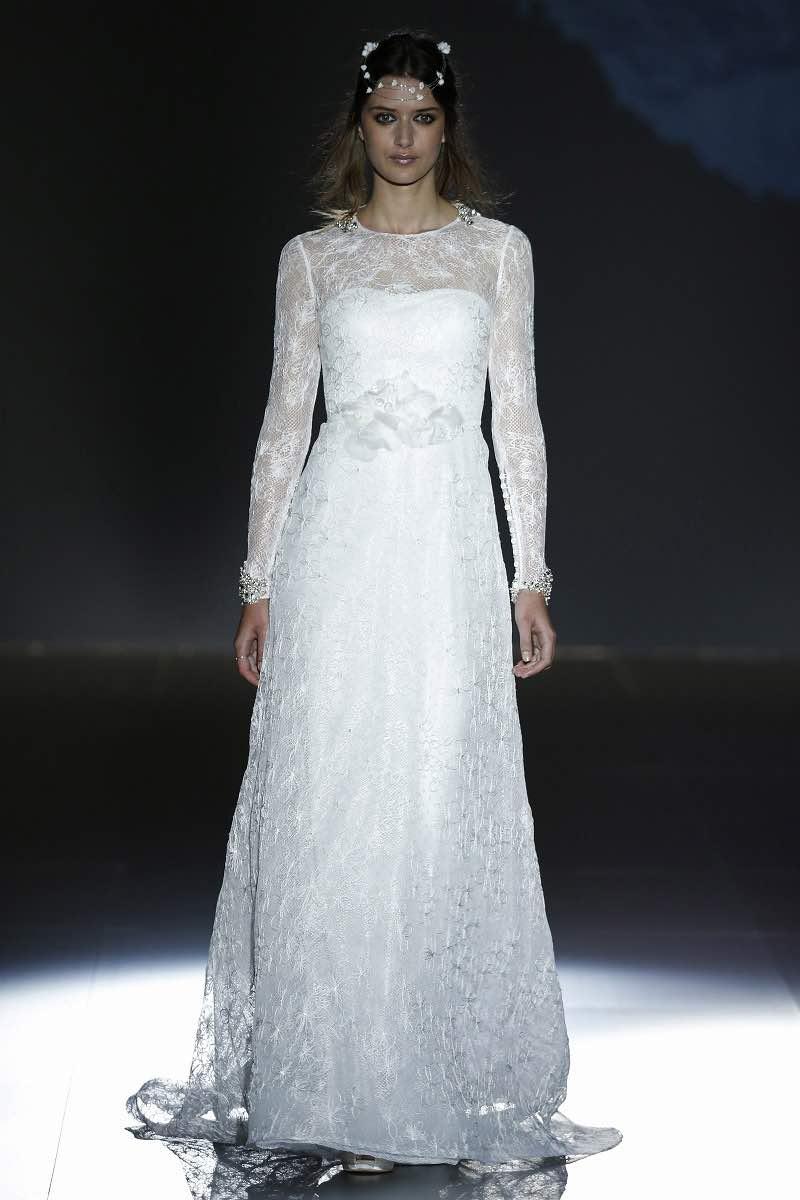 Vestido de novia de Jesus Peiro 2016 con bordados a mano