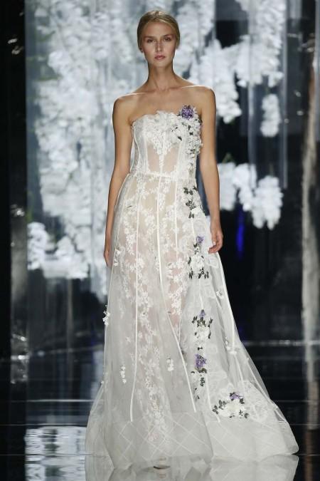 YolanCris 2016 - Vestido de novia con transparencias y detalles en tonos morados