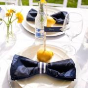 decoracion de mesas para boda azul y amarillo
