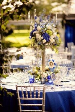 Decoracion de salon para boda azul - Fotografia de stylelovely.com