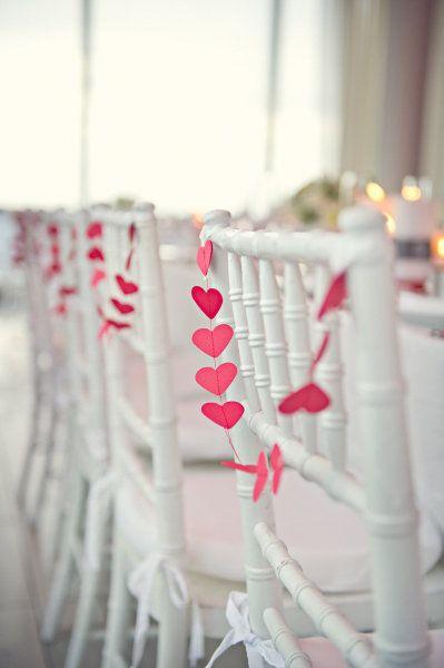 Delicados detalles para bodas: manualidades originales para decorar las sillas de tu boda