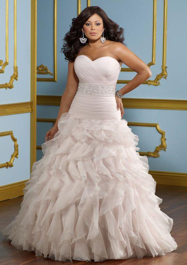 Vestidos de novia para gorditas con muchos volantes de tul