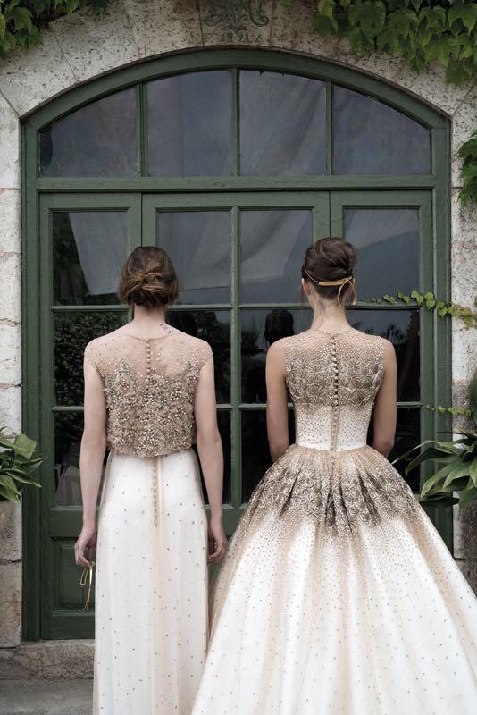 Chantillys, mallas bordadas y blondas en los vestidos de novia diseñados por Merche Segarra de Jesus Peiro