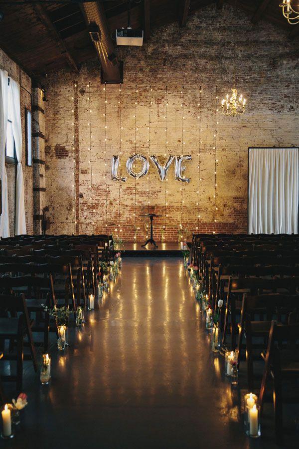 Decoración de ceremonia religiosa para bodas industriales - Foto Clean Plate Pictures