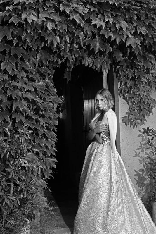 Los vestidos de volumen vuelven a tener una presencia importante en el 2016 - Jesus Peiro y entrevista exclusiva con su diseñadora Merche Segarra