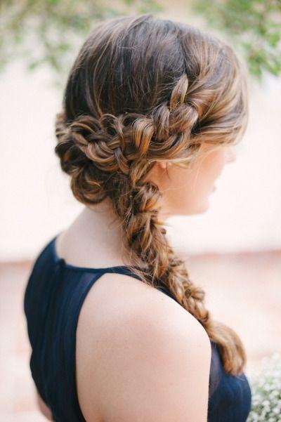 Peinados para novias con trenzas de corona estilo revés y cola de pez | Fotografia - Katie Lopez