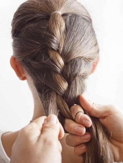 Peinados con trenzas sencillos paso a paso, las bases. Foto: alo.com