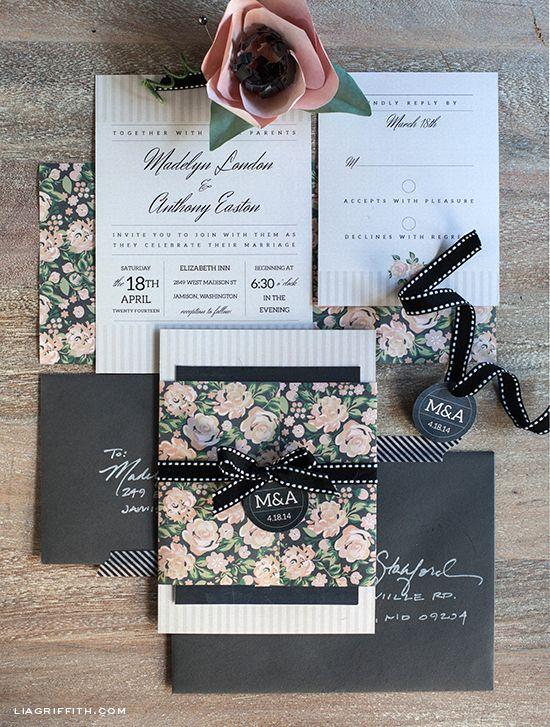 ¿Te imaginas bodas al aire libre con esta invitacion vintage? Foto liagriffith.com