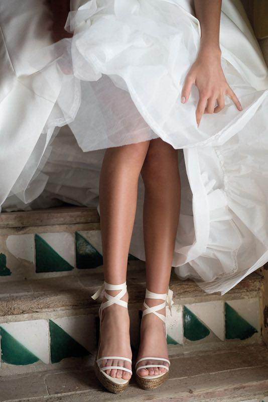 Transparencia y tejidos en los vestidos de novia de Jesus Peiro