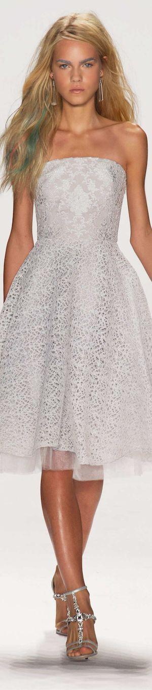 Vestidos de novia cortos Badgley Mischka 2015. Un Badgley Mischka sobrio para matrimonios vespertinos