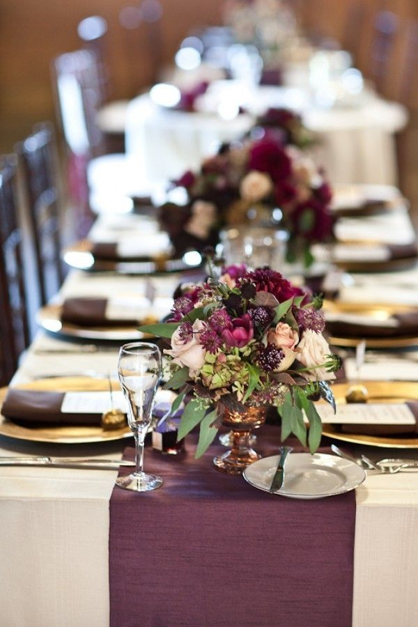 Ideas originales centro de mesa para bodas. Mezclar las flores con verde le dará abundancia