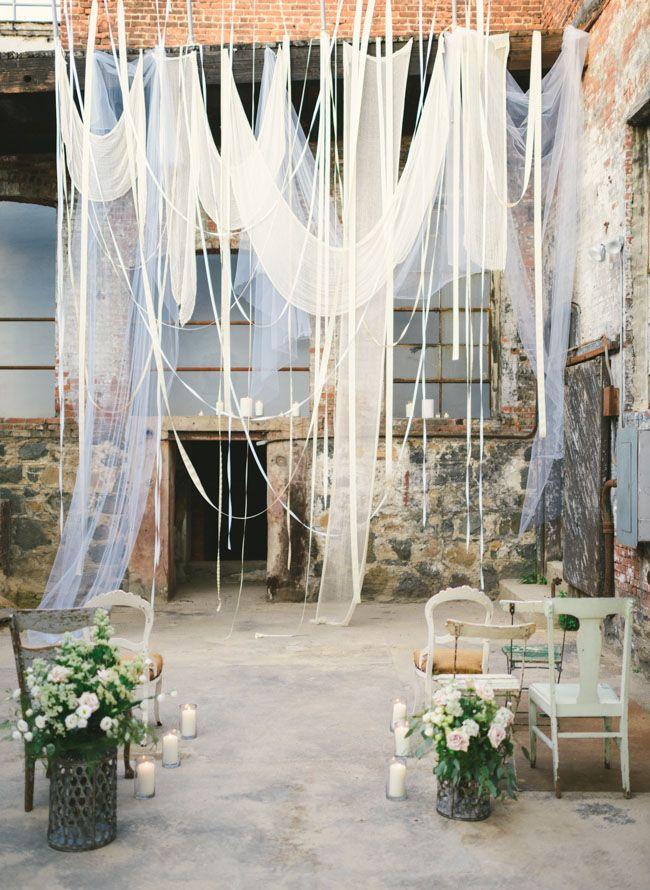 inspiración para una boda industrial en una fábrica de vidrio