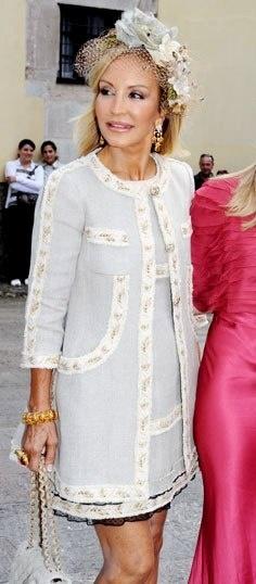 Vestidos para madrinas de boda cortos de Carmen Lornana