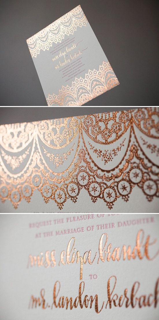 Un toque de inesperada elegancia en estas invitaciones con foil en color cobre en letterpress lo ultimo en tendencias de bodas