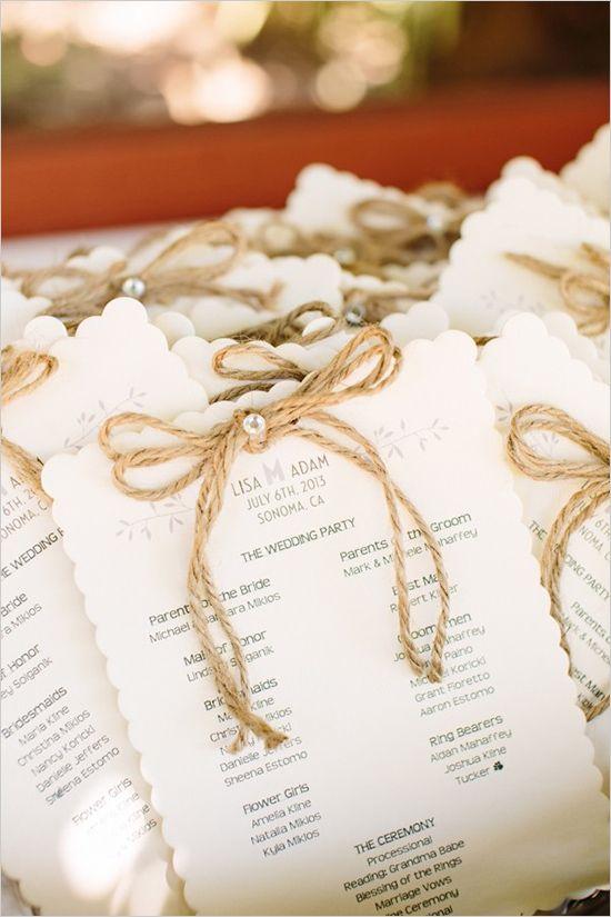 Programas de bodas rústicos con lavanda, burlap y soga o cordel - Fotografía: Volatile Photography WeddingChicks.com