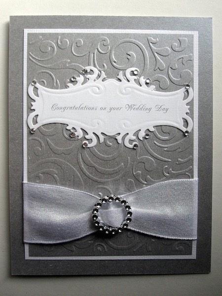 Tarjeta de boda elegante hecha a mano con elaborado relieve en tono metalizado por BellaCardCreations
