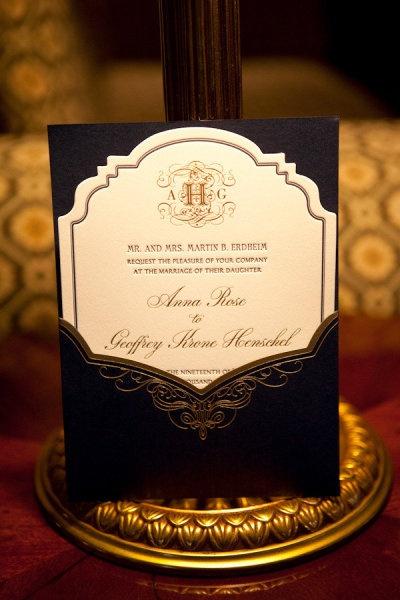 Tradicional y sofisticada invitacion de bodas de Shira Weinberger