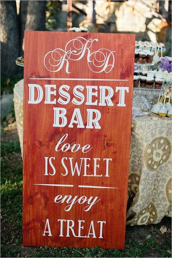 Como hacer una mesa de dulces para boda con carteles. Por que el amor es dulce, endulcemos nuestro día con un candy bar para bodas.