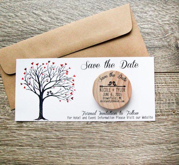 Save the date originales con un botón de madera con imán para la nevera