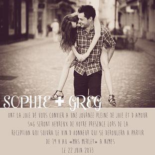 Romántico Save the Date con foto de los novios - Foto: cartesremerciement-mariage.com