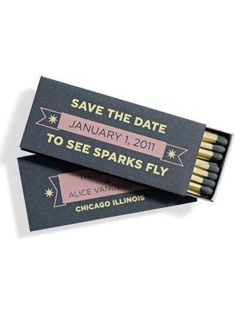 Save the date que encienden la celebración con la fecha impresa en caja de cerillas