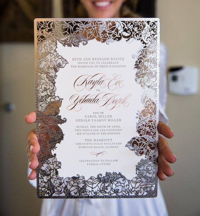 Impresionante trabajo en corte láser. tendencias en invitaciones de boda con corte laser - Ceci New York