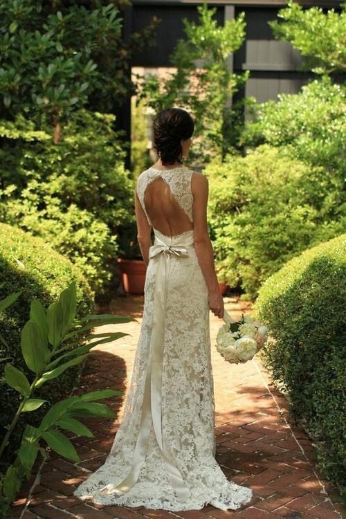 Alucinante vestido de novia con espalda descubierta todo en encaje