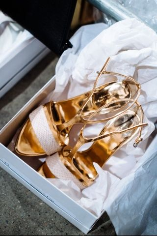 Alucinantes zapatos para invitadas de Narciso Rodríguez — Fotografia: Nina Westervelt