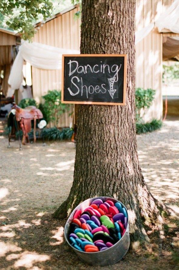 Detalle de una boda en Fairview, Tennessee con un cartel con pizarra