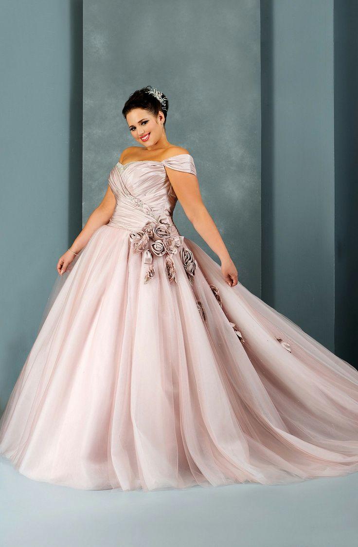 Dile sí a los vestidos para novias gorditas en rosa