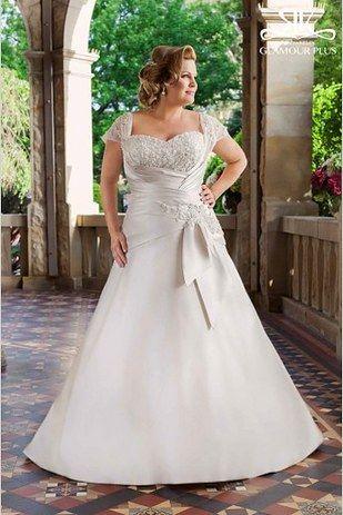 Elegante vestido para novias gorditas. Tiffanie de Roz La Kelin de la coleccion Glamour Plus