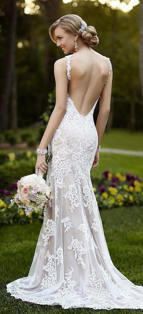 Para las novias mas atrevidas un escote profundo y sensual en los vestidos de novias 2015 por Stella York