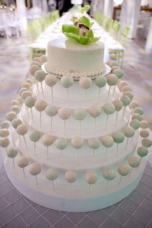 Pastel de bodas hecho con cake pops